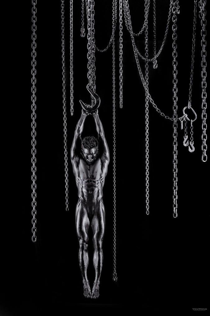 Just Hangin On by Benjamin Von Wong