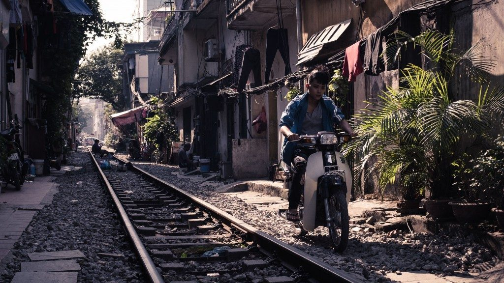 Railtrack - Hanoi LQ by Sebastian Jacobitz