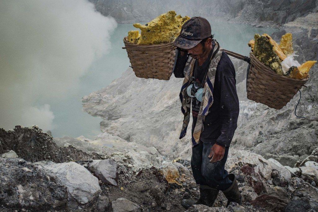 Sulfur Miner - Mt Ijen LQ by Sebastian Jacobitz